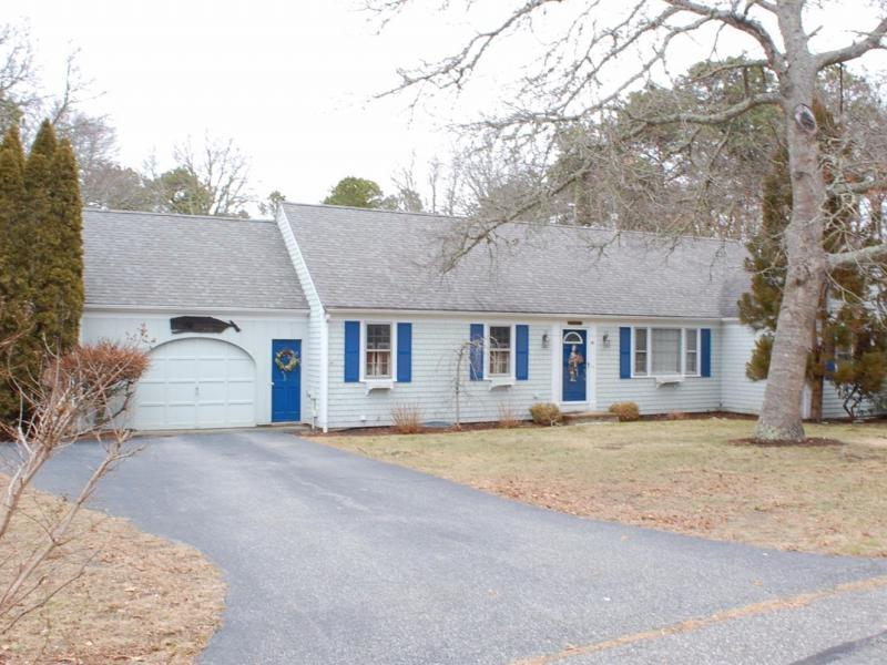 New  3 Bedroom Listing in Barnstable!